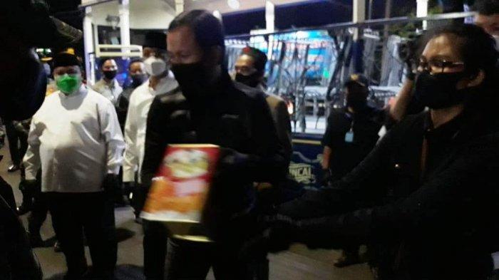 Tinjau Penerapan PSBB Saat Malam Takbiran, Bima Arya Bekali Kong Guan untuk Petugas Check Point