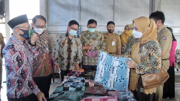 Wali Kota Bogor, Bima Arya memimpin rapat Pengendalian Inflasi Daerah dan Persiapan Kerja Sama Kampung Perca bersama Bank Indonesia (BI).