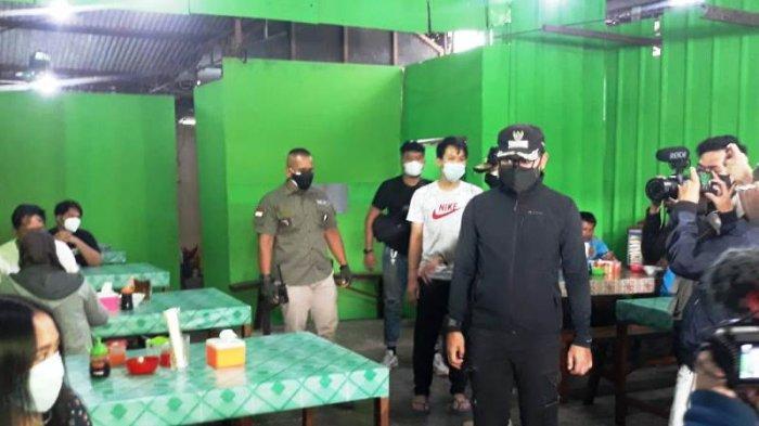 Hari Pertama PPKM Darurat di Kota Bogor, Bima Arya Bubarkan Kerumunan Pembeli Bakso