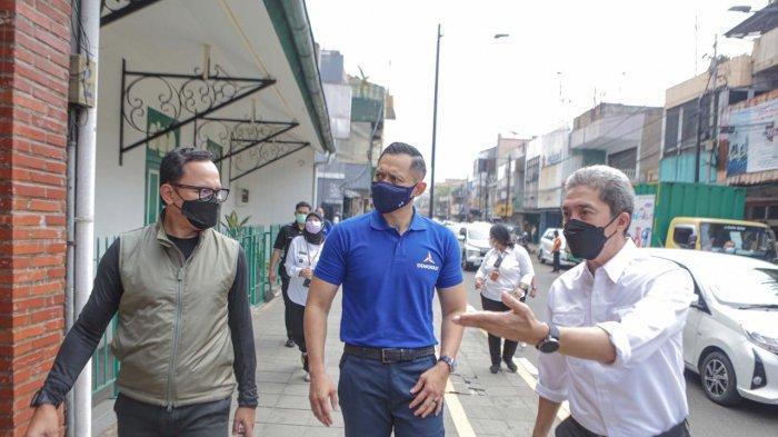 Susuri Kampung Labirin Bogor, AHY Disuguhi Laksa