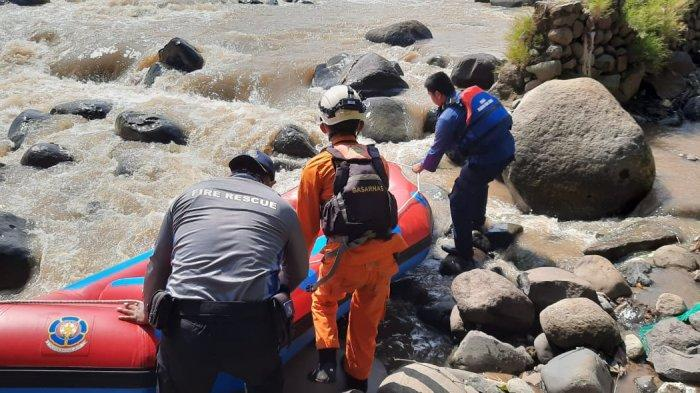 Update Pencarian Korban Hanyut di Bogor, Tim Gabungan Sisir Sungai Ciliwung Gunakan Rubber Boat