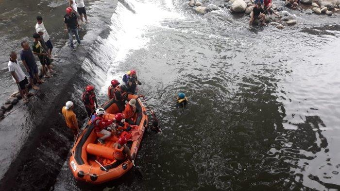 Pencarian Bocah Tenggelam di Sungai Ciliwung Dilanjutkan dengan Cara Pemantauan Visual dari Darat