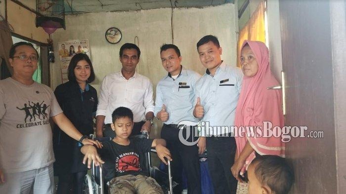 Bogor Valey Hotel Kunjungi Buruh Cuci Yang Rawat Empat Anak Yatim, Begini Perjuangan Ibu Titin