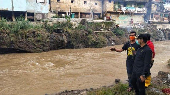 Pencarian Bocah yang Hanyut di Ciliwung Masih Terus Dilakukan, BPBD : Semoga Segera Ada Kabar Baik