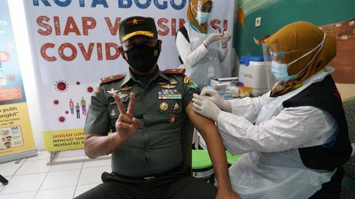 Danrem 061/SK Terima Suntikan Kedua Vaksin Covid-19, Brigjen Achmad Fauzy : Jangan Takut Divaksin