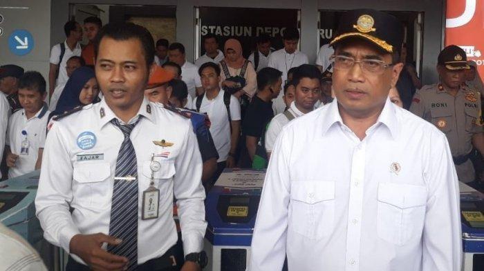Budi Karya Bahas Pembangunan Jalur Rel Dwi Ganda Jakarta-Bekasi Saat Bertemu Penumpang Commuter Line