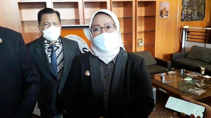 Karena Tak Ada Kantor Desa, Kades di Bogor Pakai Rumah Pribadi untuk Pelayanan, Bupati Respon Begini