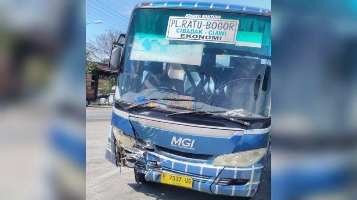 bus-mgi-tabrakan.jpg