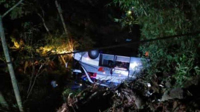 Bus Rombongan Siswa SMP Terjun ke Jurang di Sumedang, 20 Tewas dan 3 Selamat, 6 Masih Terhimpit