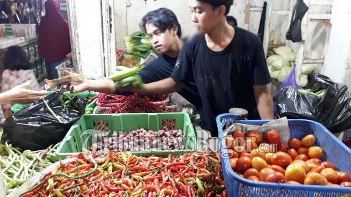 Besok Idul Adha, Harga Cabai dan Tomat di Pasar Ciawi Naik