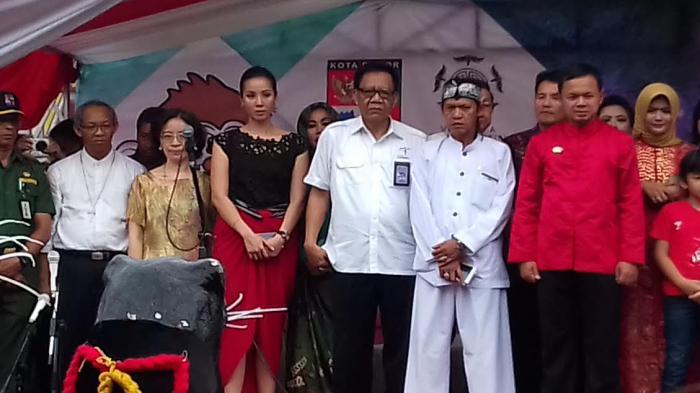 Imelda Fransisca Curi Perhatian Penonton Cap Go Meh Kota Bogor
