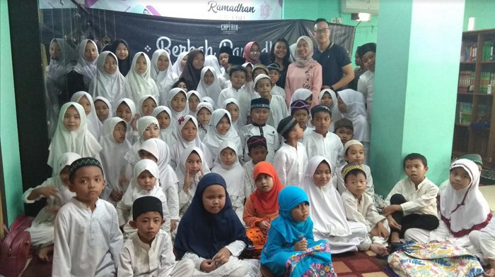 Captain Barbershop Buka Bersama dan Santuni Puluhan Anak Yatim Panti Asuhan Al-Kahfi