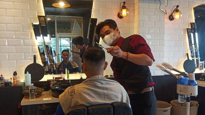 Captain Barbershop Beri Pelayanan Kelas Premium, Tempat Pria Rawat Rambut Lebih Tampan