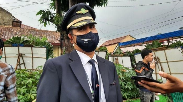 Sekjen Forum Komunikasi Pilot IDPPSDB (Forkip), Captain S Fuadin AS saat bercerita tentang sosok Captain Afwan