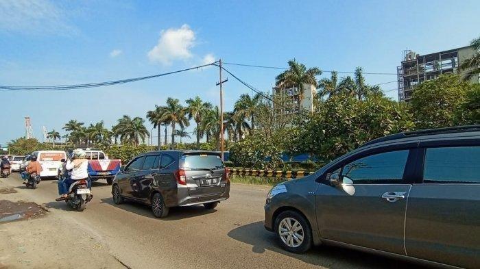 Macet Total, Akses Menuju Pantai Anyer-Carita Tertahan, Kendaraan 3 Jam Tak Bergerak