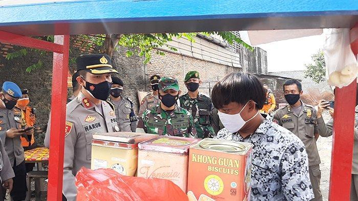 Jajaran Polres Bogor beserta Kodim 0621/Kabupaten Bogor, Jumat (16/7/2021) melakukan pengecekan penerapan PPKM Daruat.