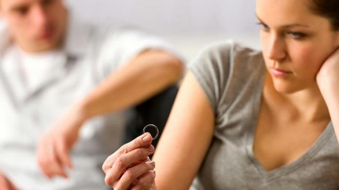 Arti Mimpi Bercerai Bagi yang Belum Menikah Menurut Primbon Jawa, Peringatan untuk Kesehatan