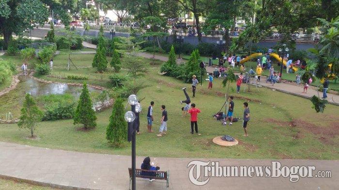 Taman Cibinong Situ Plaza, Tempat Bermain Warga dan Kumpul Komunitas