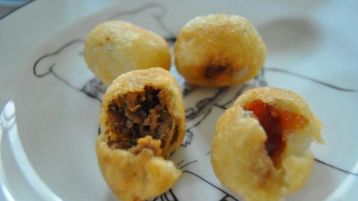 Mengintip Proses Pembuatan Combro Sahuap di Kota Hujan, Kuliner Tradisional yang Banyak Digemari