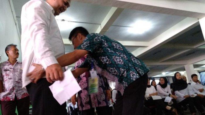 Khawatir Bawa Jimat, Peserta SKD CPNS di Tasikmalaya Digeledah Petugas