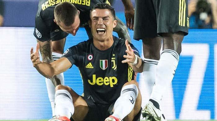 Liga Champion - Ronaldo Menangis Diganjar Kartu Merah, Juventus Menang 2-0 Lawan Valencia