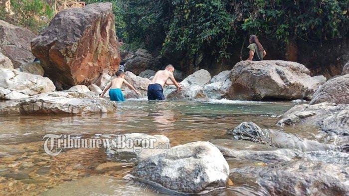 Main ke Curug Leuwi Hejo Bogor, Wisata Asyik Buat Nyebur di Air Jernih