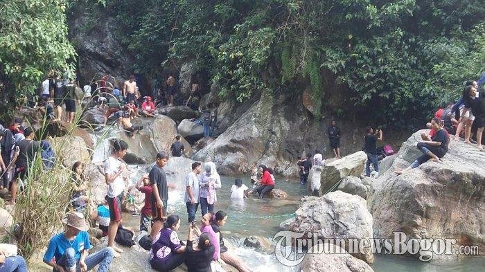 Libur Tahun Baru, Wisatawan dari Jakarta Serbu Curug Leuwi Hejo di Kabupaten Bogor