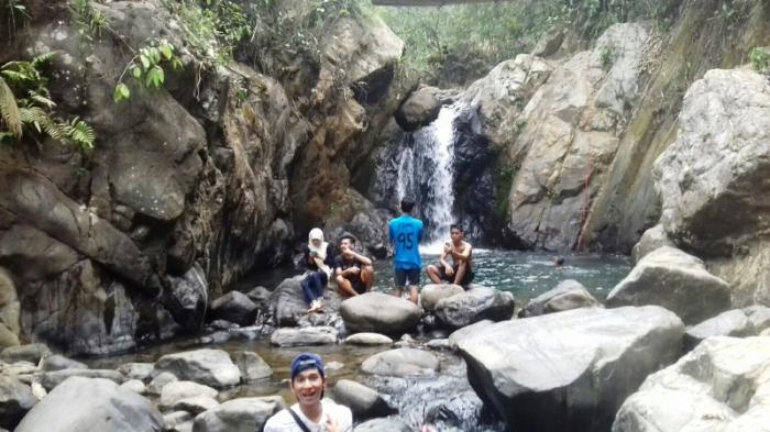 Curug Putri Kencana di Kecamatan Babakan Madang, Kabupaten Bogor.