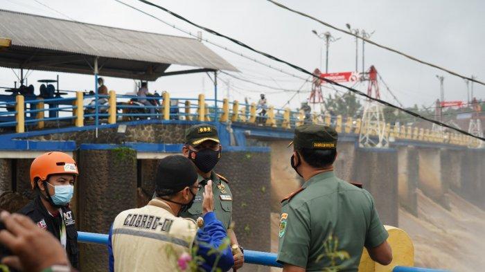 Antisipasi Luapan Sungai Ciliwung, Danrem 061/SK Pantau Bendung Katulampa Bogor