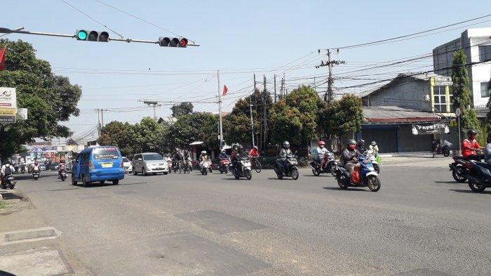 Info Lalu Lintas - Arus Kendaraan di Simpang Kedung Halang Saat Ini Ramai Lancar
