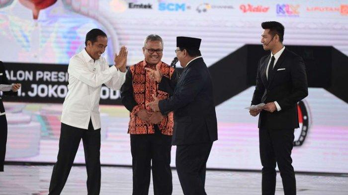 Momen Lucu Saat Penutupan Debat Capres Keempat, Tunjukkan Persahabatan Prabowo dan Jokowi Penuh Tawa