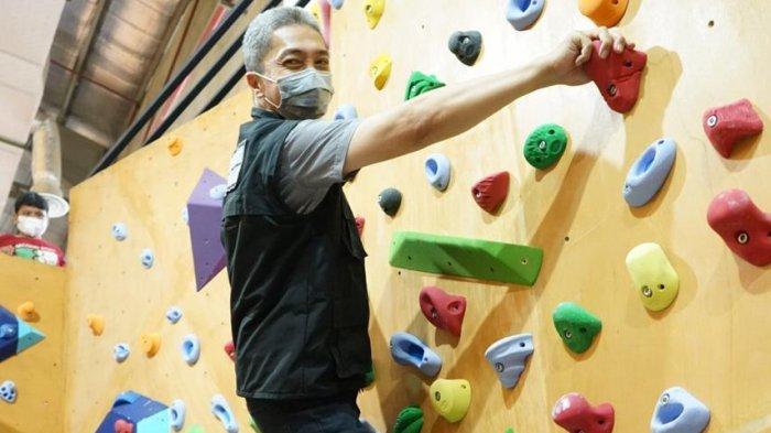 Wakil Wali Kota Bogor Dedie A Rachim Resmikan Boulder Climbing Gym Terbesar di Indonesia