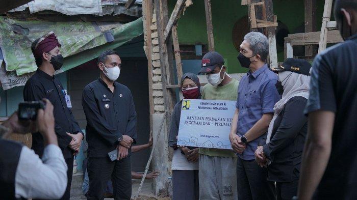 Pemkot Bogor Gelontorkan Bantuan untuk 44 Rumah Tidak Layak Huni