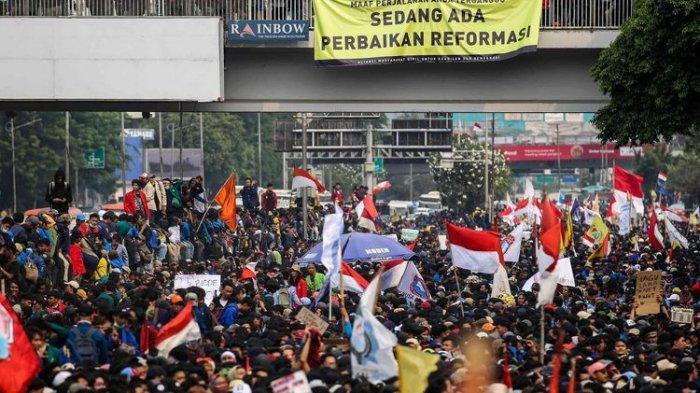 demo-mahasiswa-di-gedung-dpr-ri.jpg