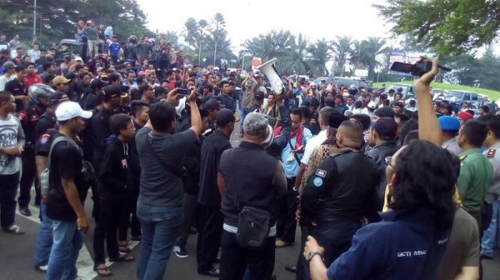 Kapolres Bogor Sayangkan Aksi Blokade Jalan Saat Warga Demo di Sentul City