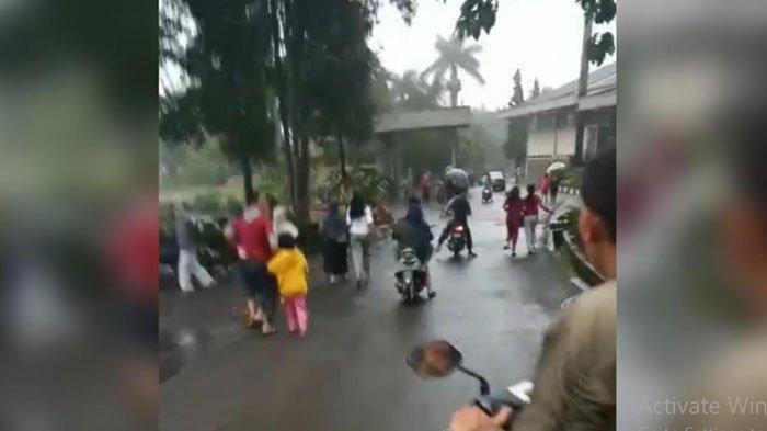 Detik-Detik Banjir Bandang di Puncak Bogor, Warga Panik Berlarian Tinggalkan Rumah