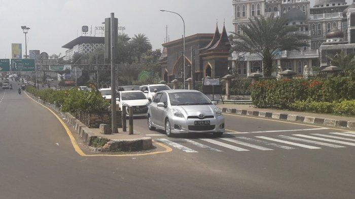Jalan Raya Puncak Satu Arah ke Jakarta, Simpang Gadog Ramai Lancar