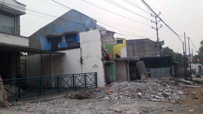 Lanjutan Proyek Tol BORR, Bangunan di Jalan Sholeh Iskandar Bogor Dibongkar