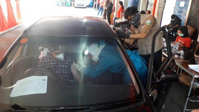 Libatkan Halodoc dan Gojek, Vaksinasi Covid-19 untuk Lansia di Kota Bogor Digelar Secara Drive Thru