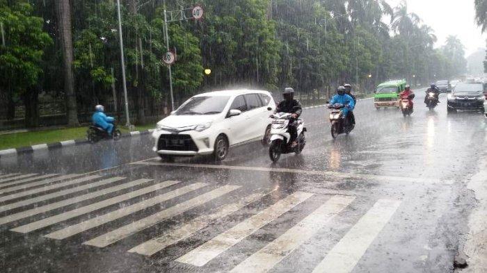 Doa Ketika Hujan Deras, Memohon Agar Dijauhkan dari Bencana Alam