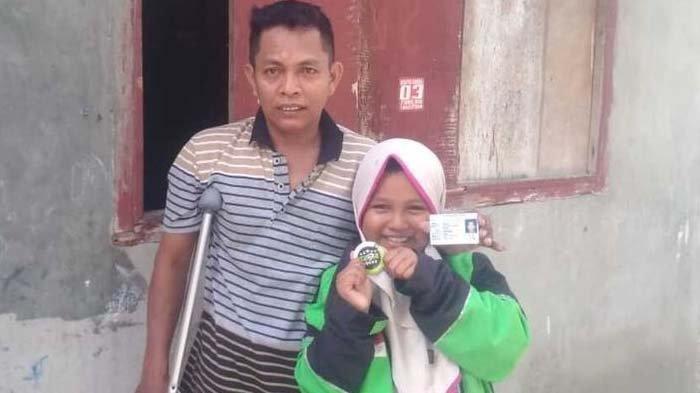 Kisah Bocah Perempuan Gantikan Ambil Order Ojek Online, Bantu Ayahnya yang Jadi Korban Tabrak Lari