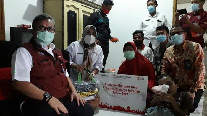 Kemensos RI Tinjau Langsung Penyaluran Bantuan PKH Penyandang Disabilitas di Bogor