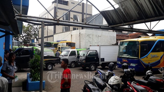 Peserta Uji KIR Membludak, Tumpukan Becak di Lapangan Parkir Dishub Kota Bogor Bikin Sempit