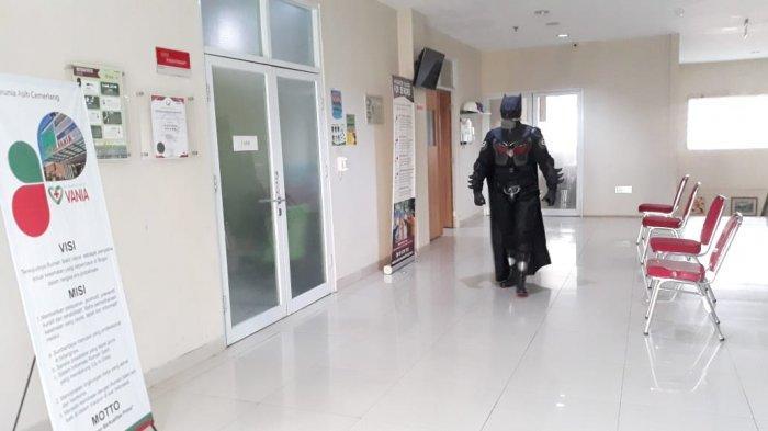 Ini Alasan Dokter di Bogor Gunakan APD Bergaya Superhero saat Tangani Pasien