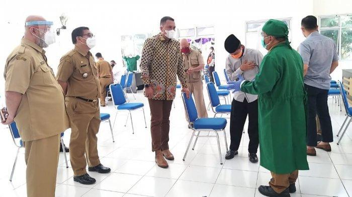 Tinjau Vaksinasi Massal, DPRD Kabupaten Bogor Berharap Target Vaksin Tercapai