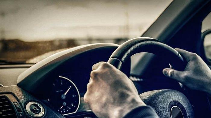 10 Cara Memegang Setir Mobil, Bisa Ungkap Kepribadian Aslimu: Si Pembuat Perdamaian atau Bossy?
