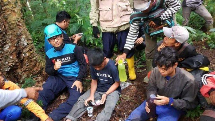 Cerita 2 Pencari Bunga Hilang di Hutan Gunung Gede Pangrango, Kondisinya Lemas saat Ditemukan