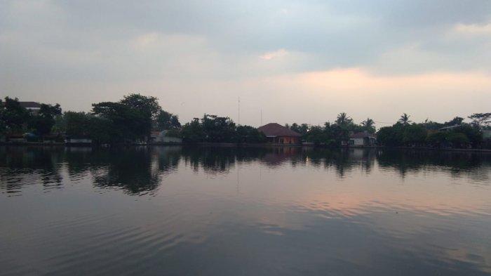Lokasi Ekowisata Situ Gede yang terletak di Kelurahan Situ Gede, Bogor Barat, Kota Bogor jadi tempat wisata favorit warga Bogor.