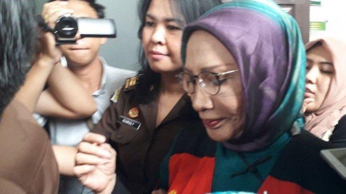 Ratna Sarumpaet Mengeluhkan Kondisi Tahanan Polda Metro Jaya