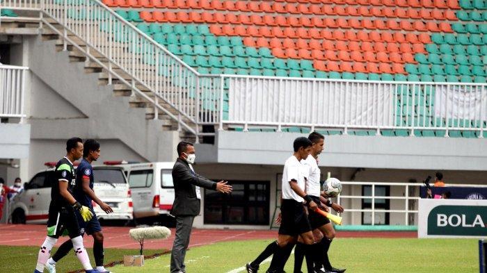 Hindari Covid di Stadion Pakansari, General Coordinator Ingatkan Pemain Cadangan Jaga Jarak